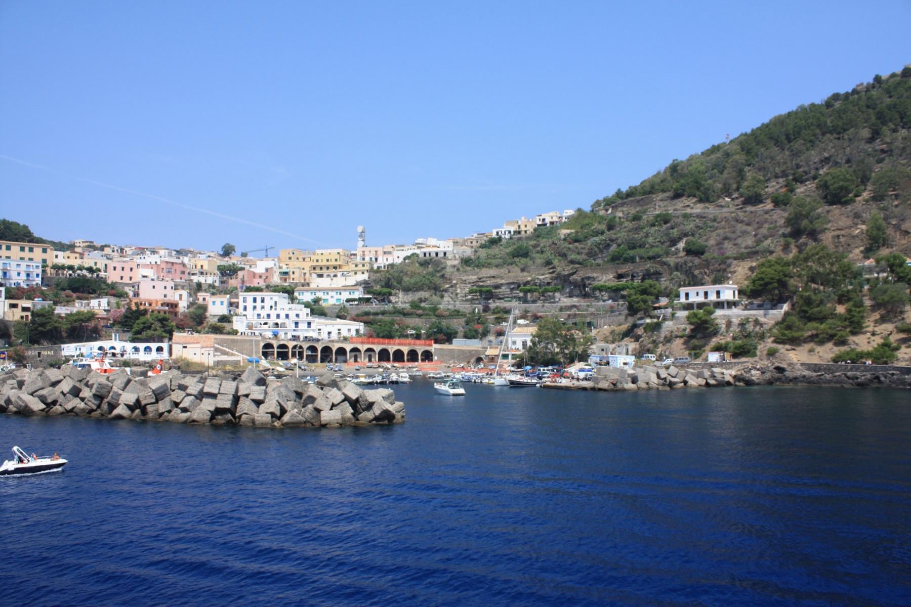 ustica-il-porto